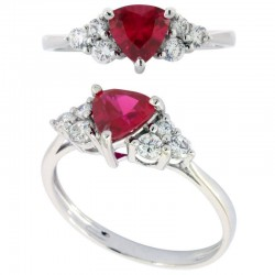 Anillo 18k  oro triangulo ruby
